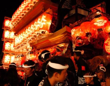岸和田だんじり祭〜勇壮で美しい男たち